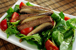 Tomato and Arugula Salad with Grilled Steak and Portabella Mushrooms
