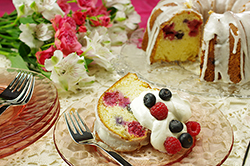 Berry Vanilla Buttermilk Cake