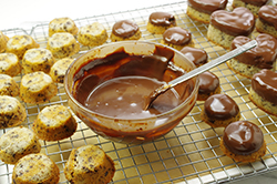 Dipping Cakes