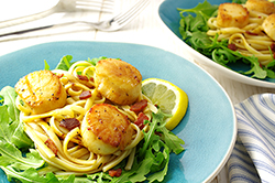 Scallops with Bacon over Linguini and Arugula
