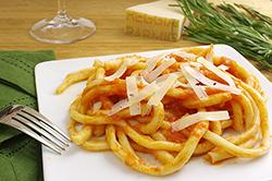 Pinci with Tomato Sauce